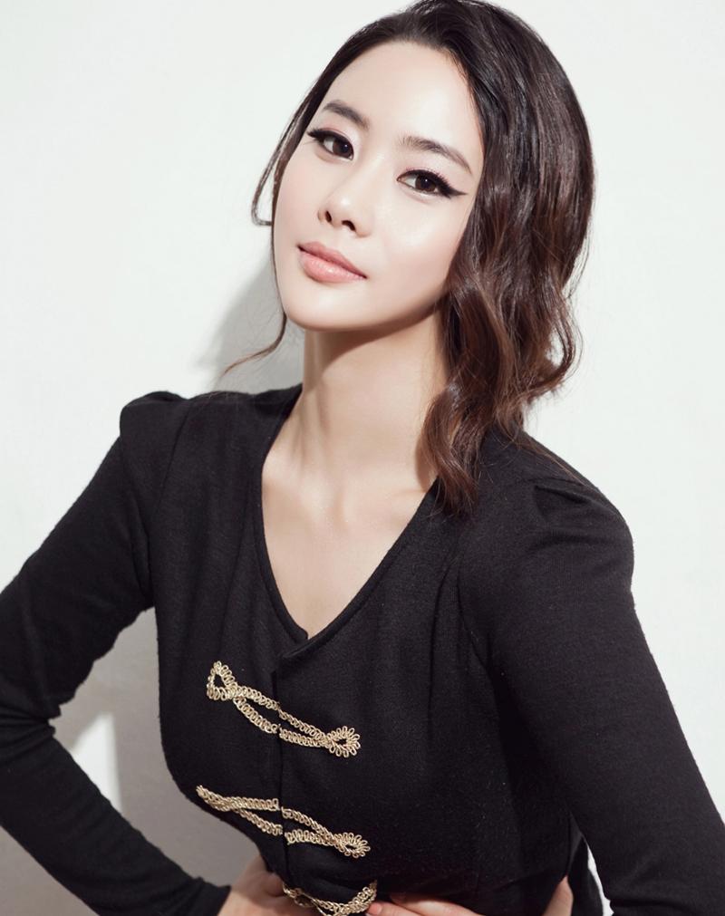 Model Factory Korean Female Model LeeYJ